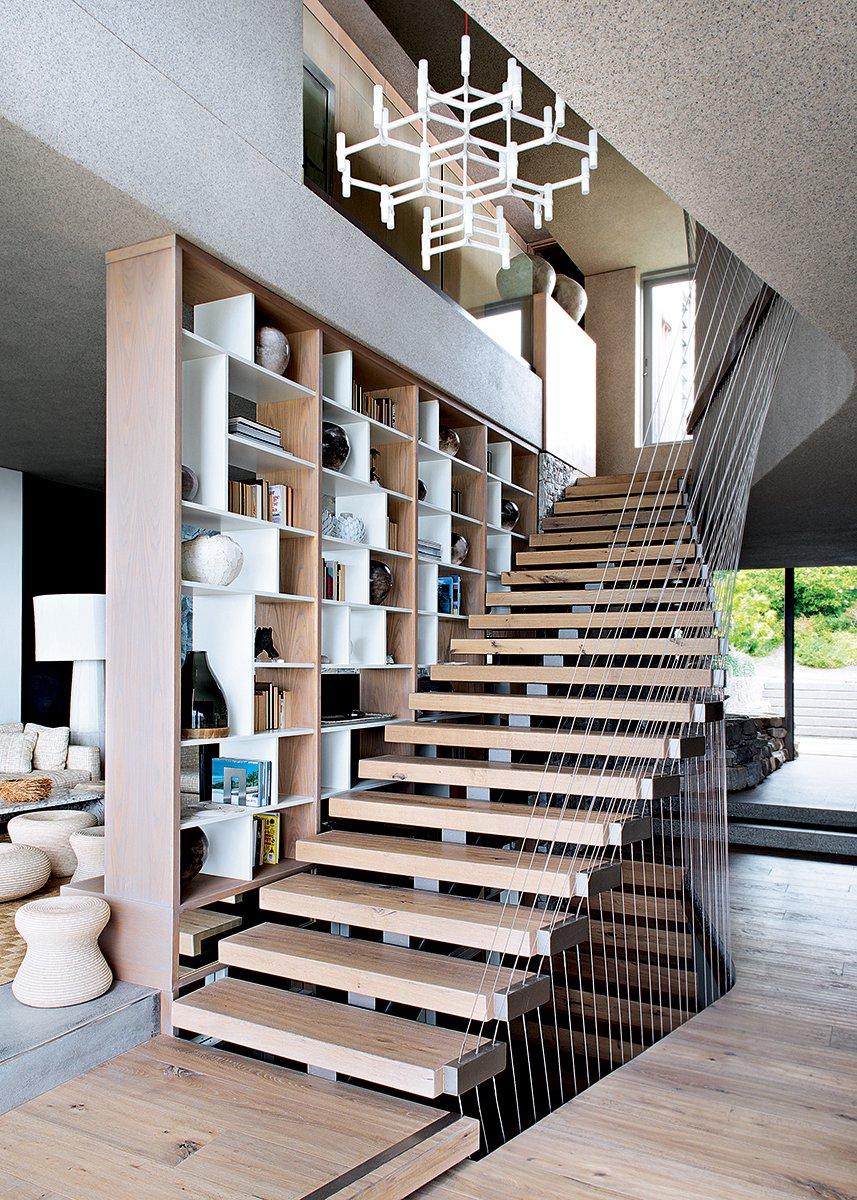 Дизайн коридора с лестницей в стиле модерн