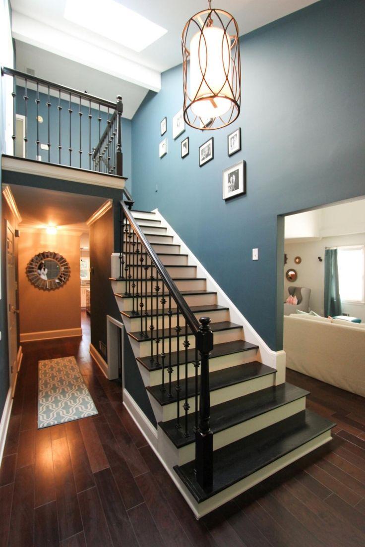 Дизайн коридора с лестницей прямой