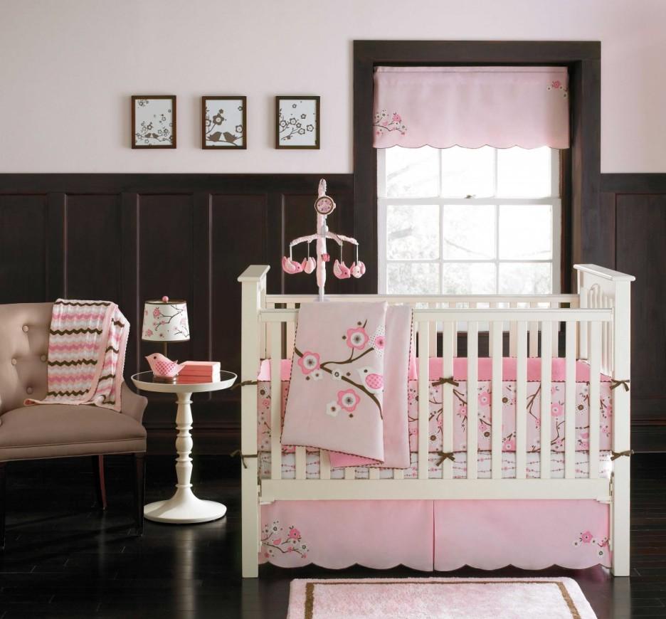 Декор детской кроватки птицами