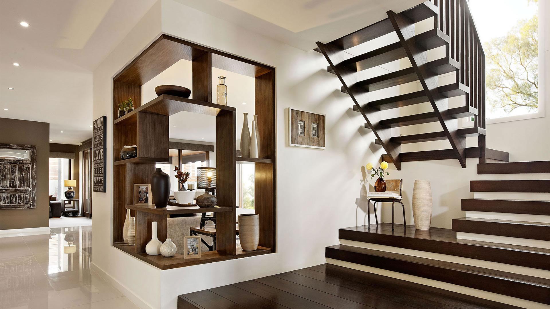 Дизайн коридора с лестницей широкой