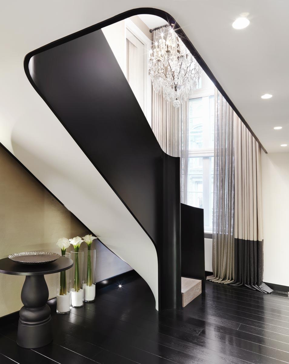 Дизайн коридора с лестницей узкой