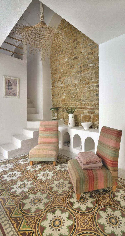 Дизайн коридора с лестницей в восточном стиле