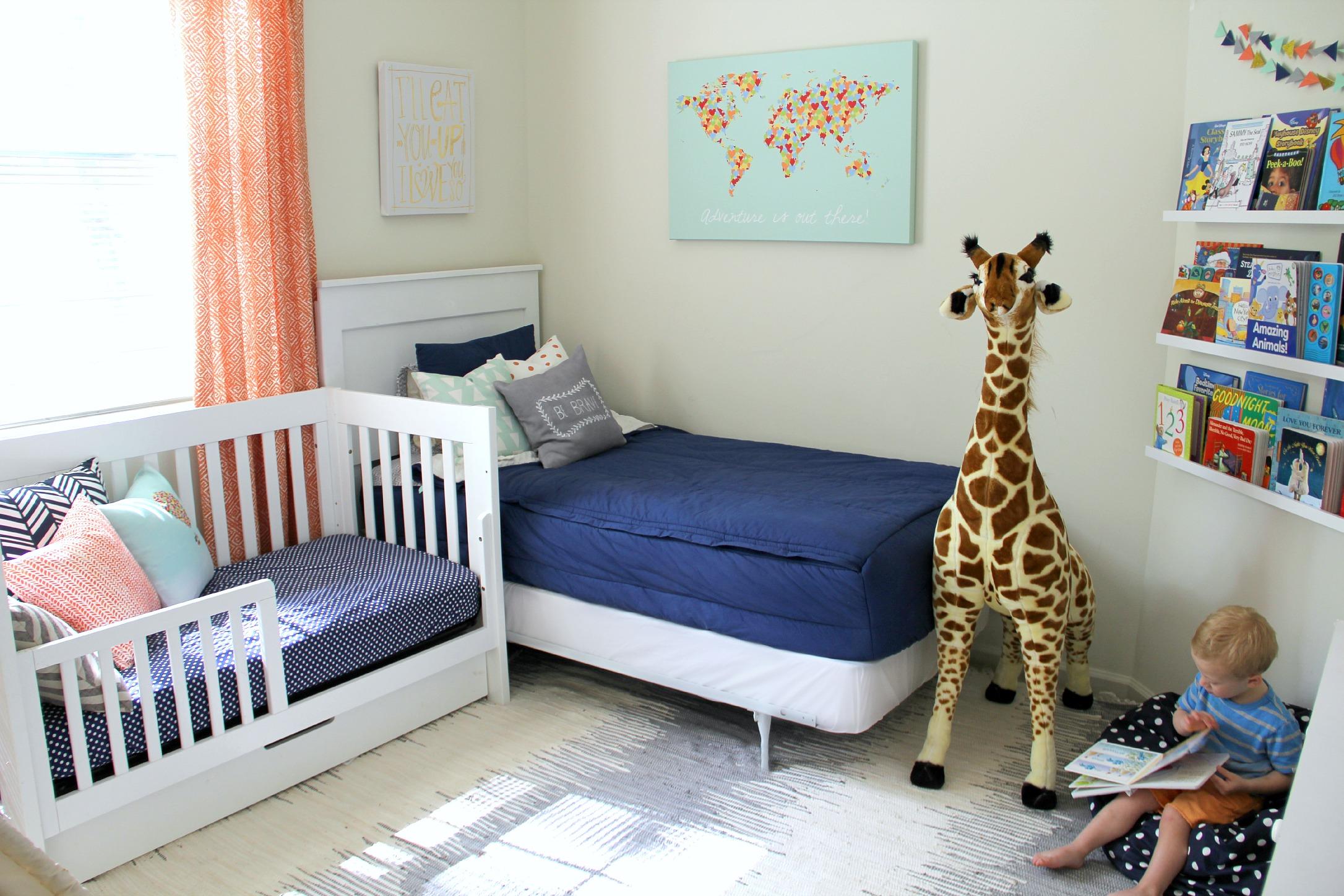 Дизайн детской комнаты для двух мальчиков разных возрастов