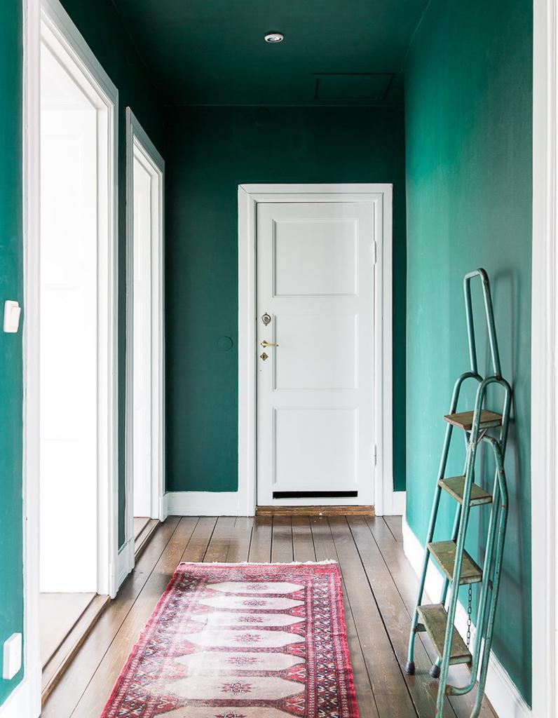 Оформление коридора зеленое
