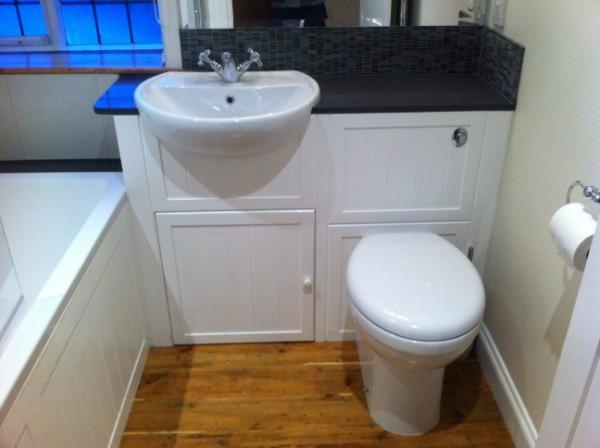 Декор маленького туалета