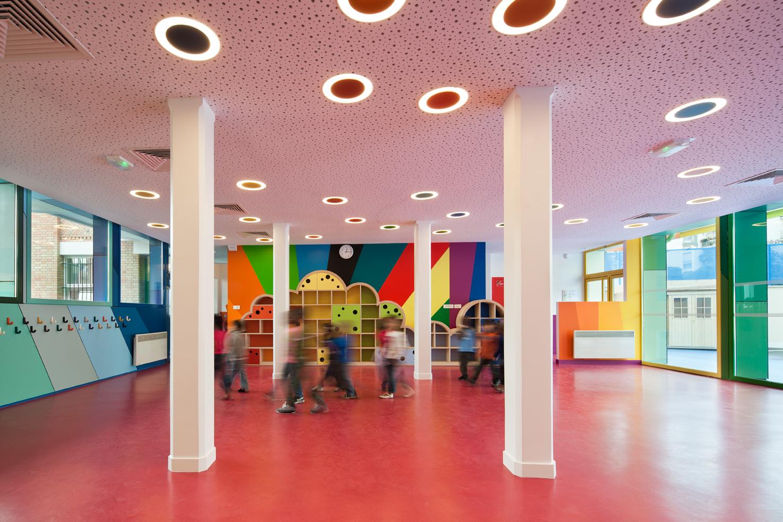 Покраска стен в детском саду