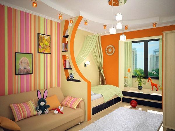 Дизайнерский интерьер в узкой детской комнате
