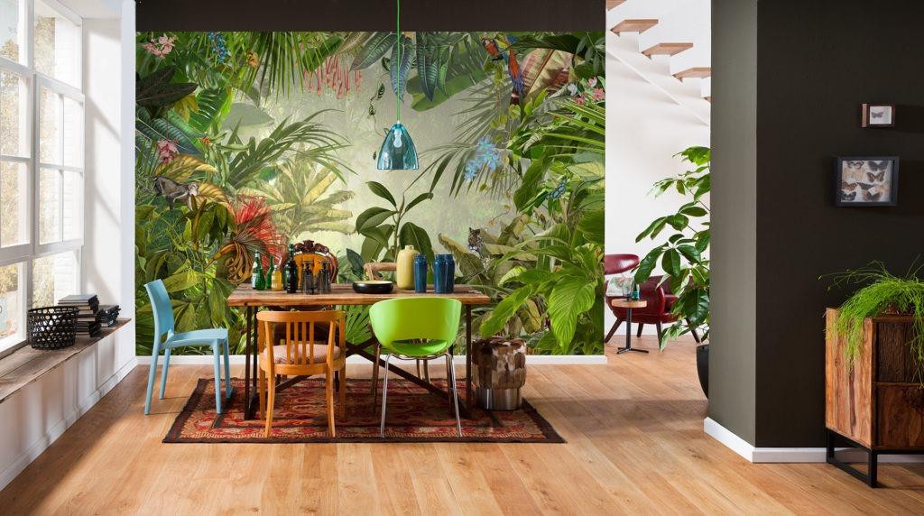 Яркие 3d обои в столовой с изображением тропического леса
