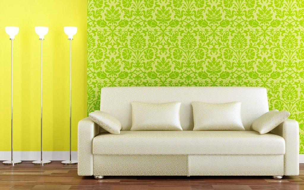 Гостиная с зелеными узорчатыми 3d обоями