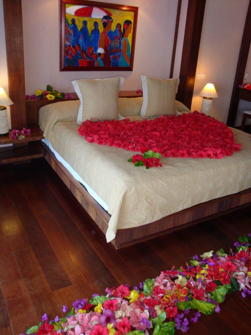 Романтический декор из цветов