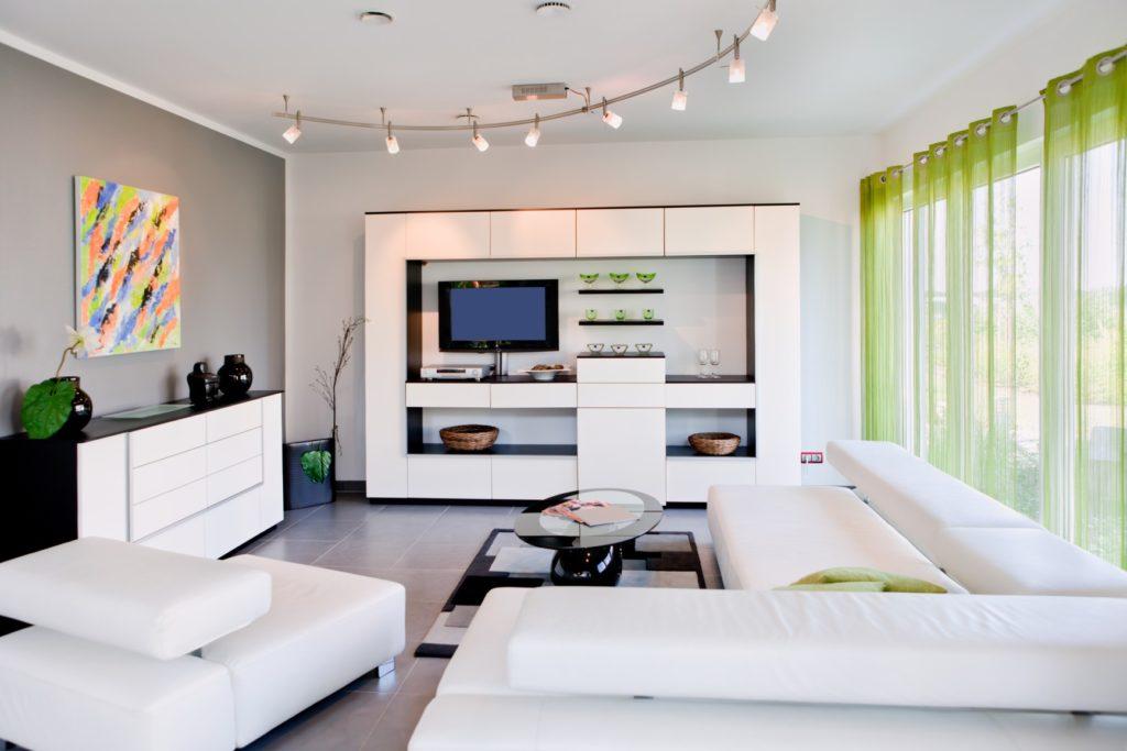 Легкие полупрозрачные зеленые шторы для гостиной