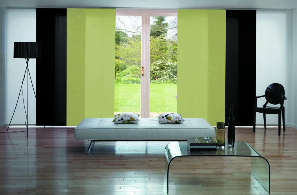 Трехцветные сдвигающиеся шторы для гостиной