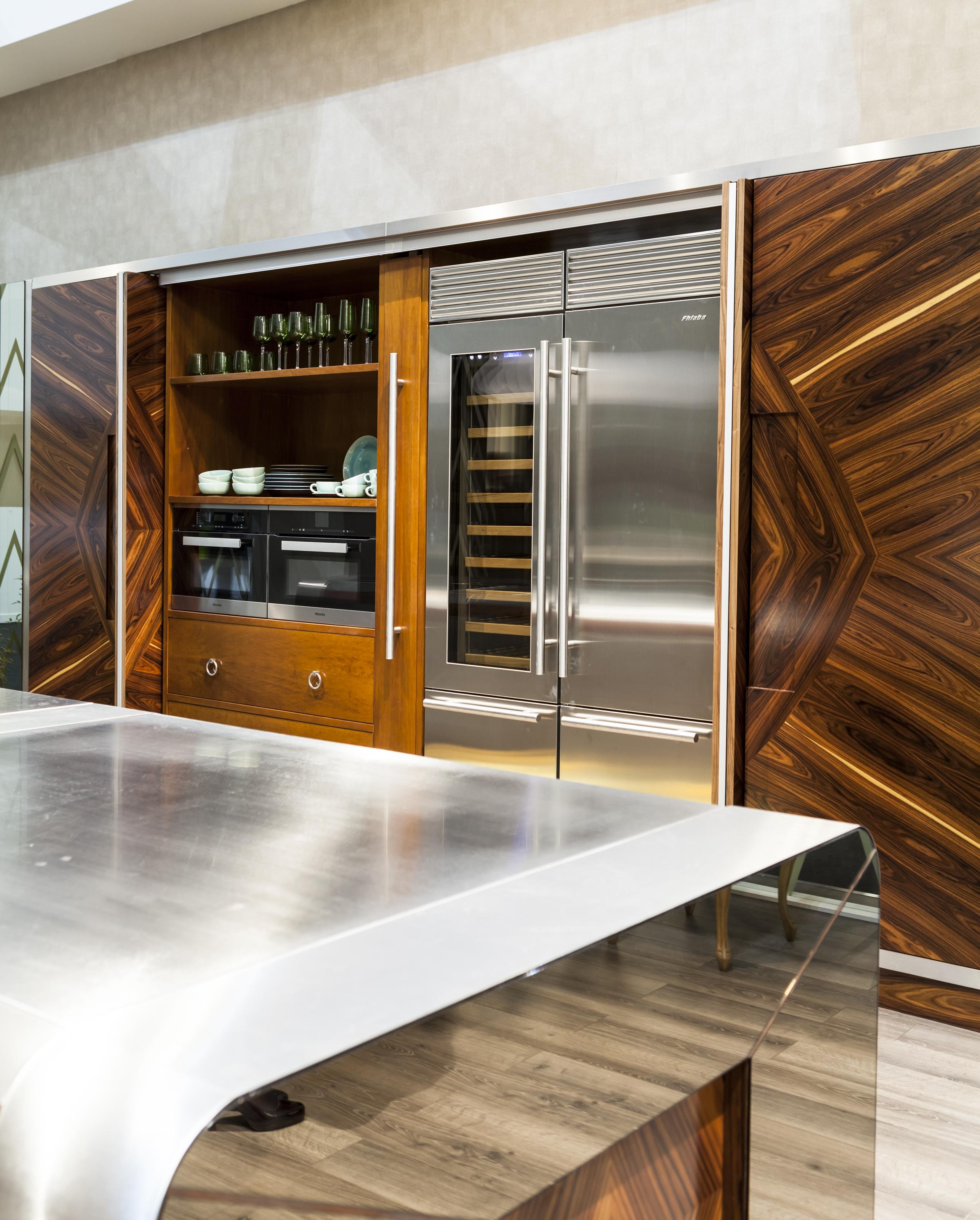 Куда Поставить Холодильник на Маленькой Или Большой Современной Кухне