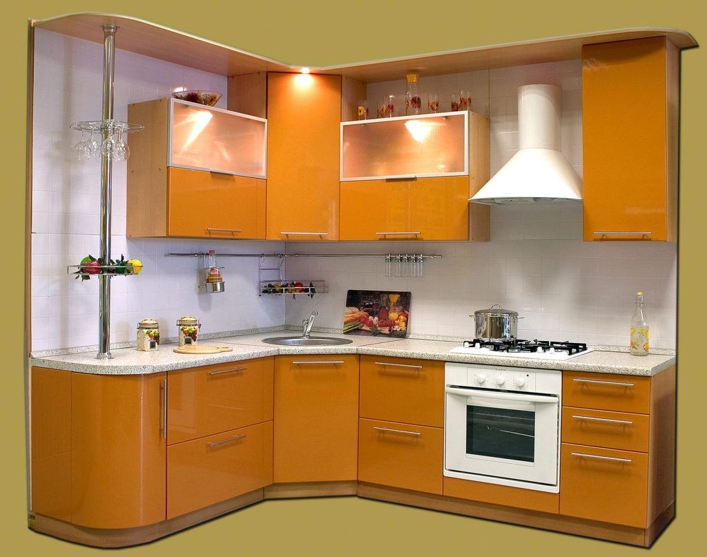 Оранжеая кухня с радиусными фасадами