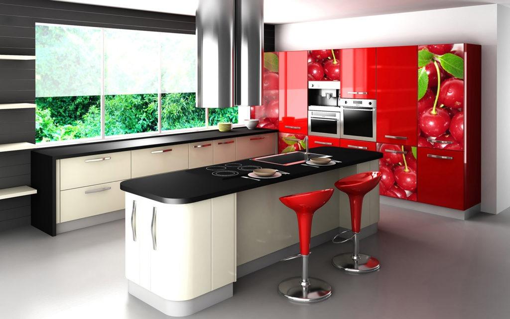 Яркая кухня с красными элементами с пластиковыми фасадами