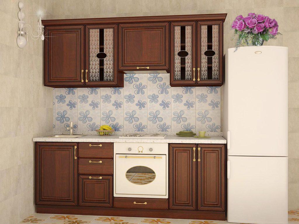 Бежево-коричневая кухня с деревянными фасадами
