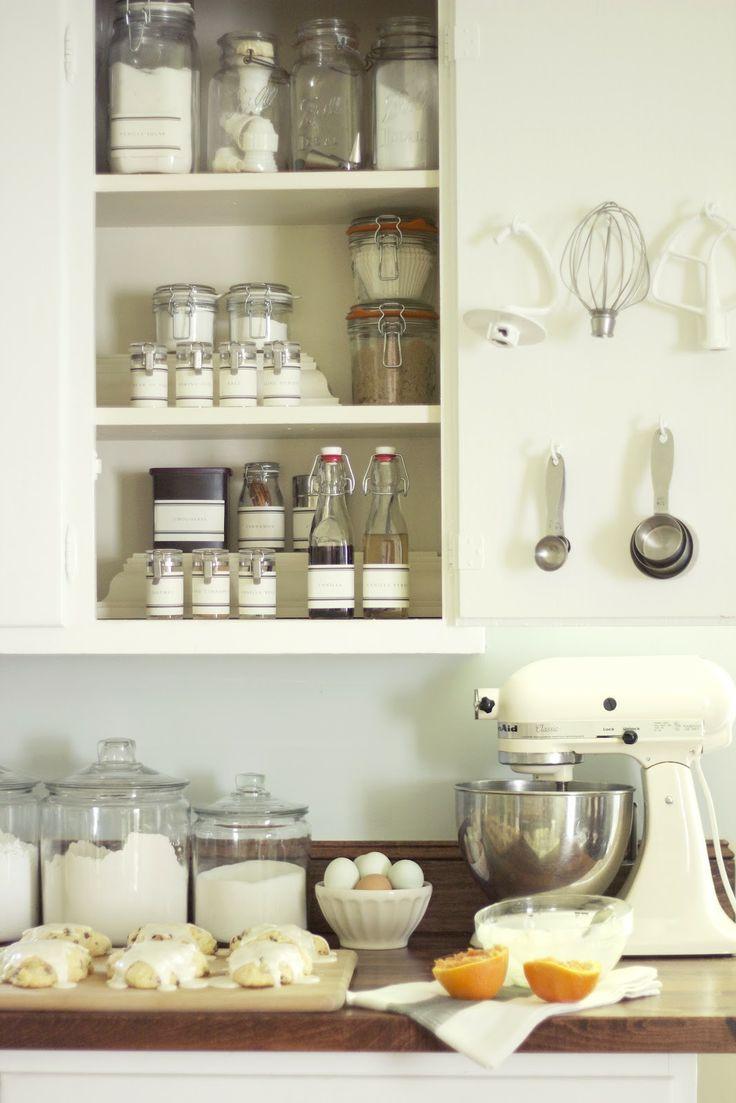 Компактное хранение в кухонном гарнитуре