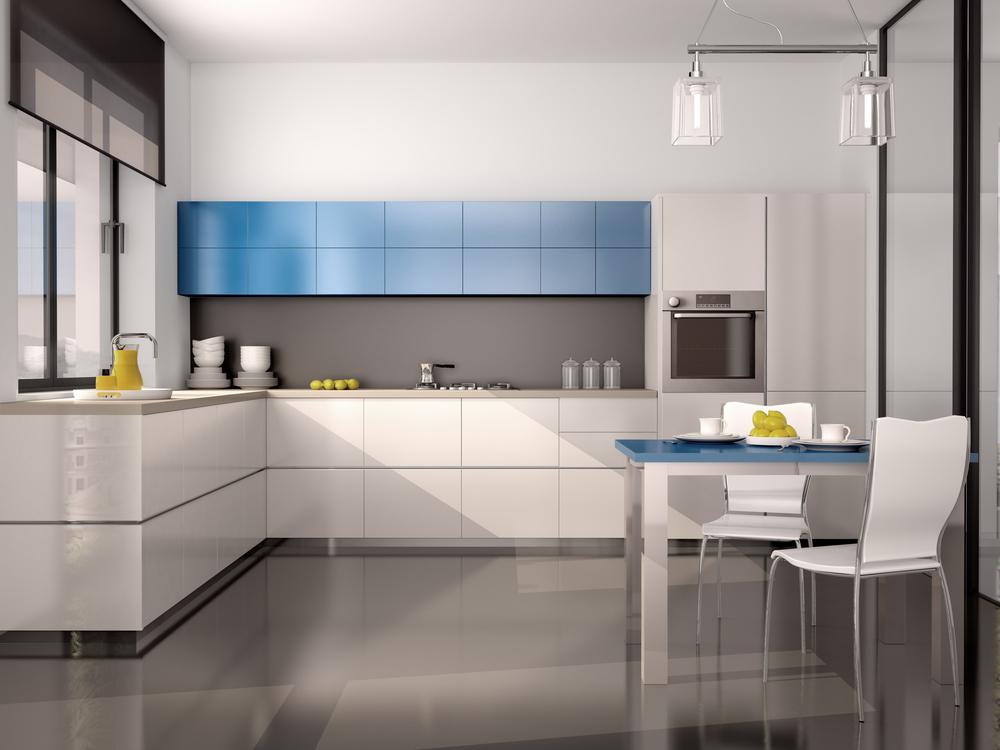 Голубой акцент на серой кухне