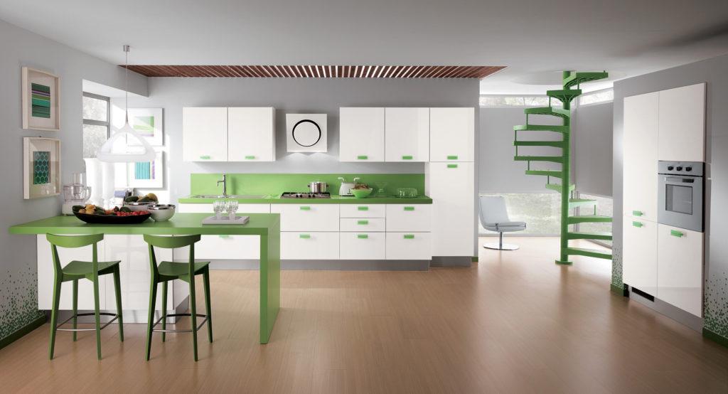 Коричневый ламинат в зелено-белой кухне