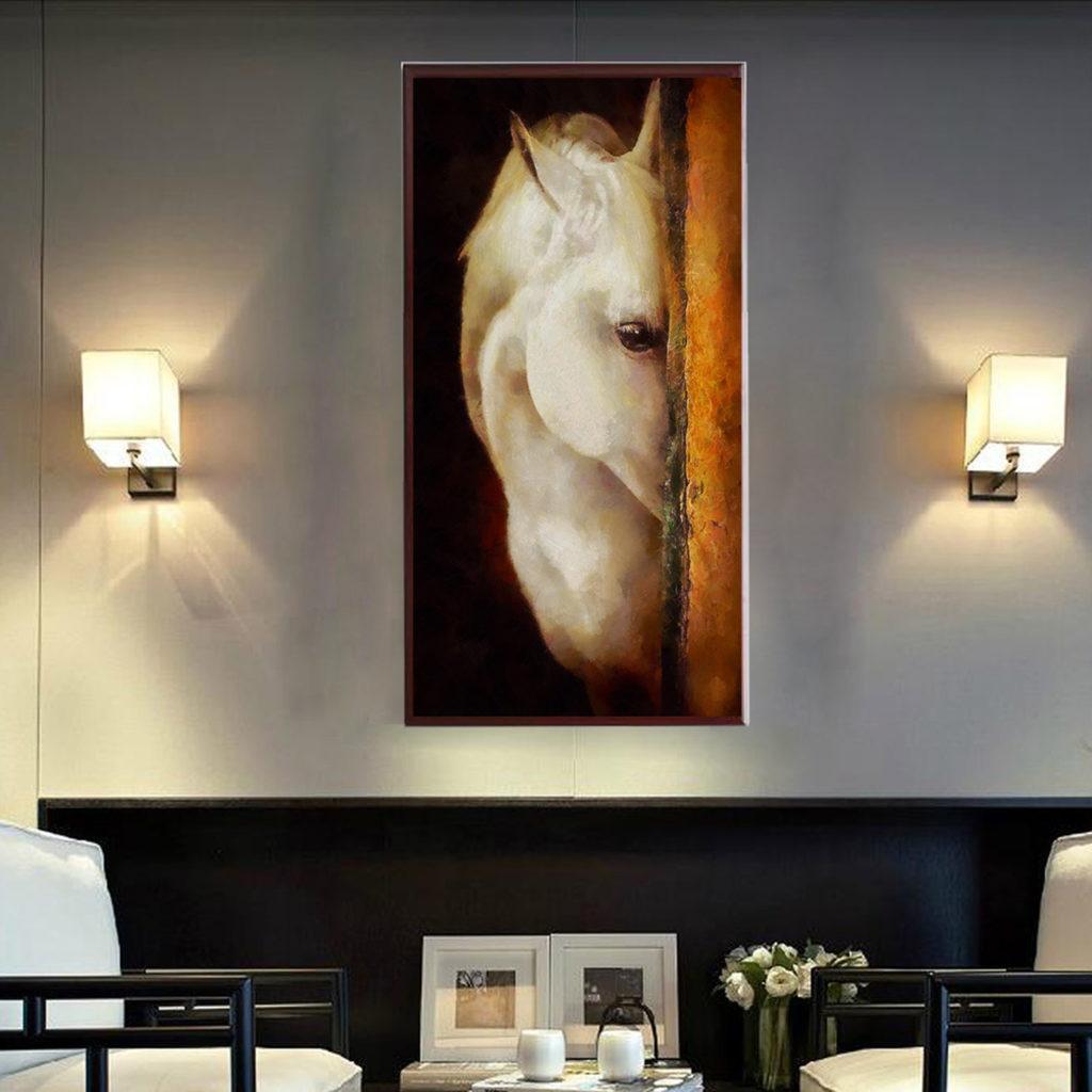Картина для гостиной в сдержанном классическом стиле