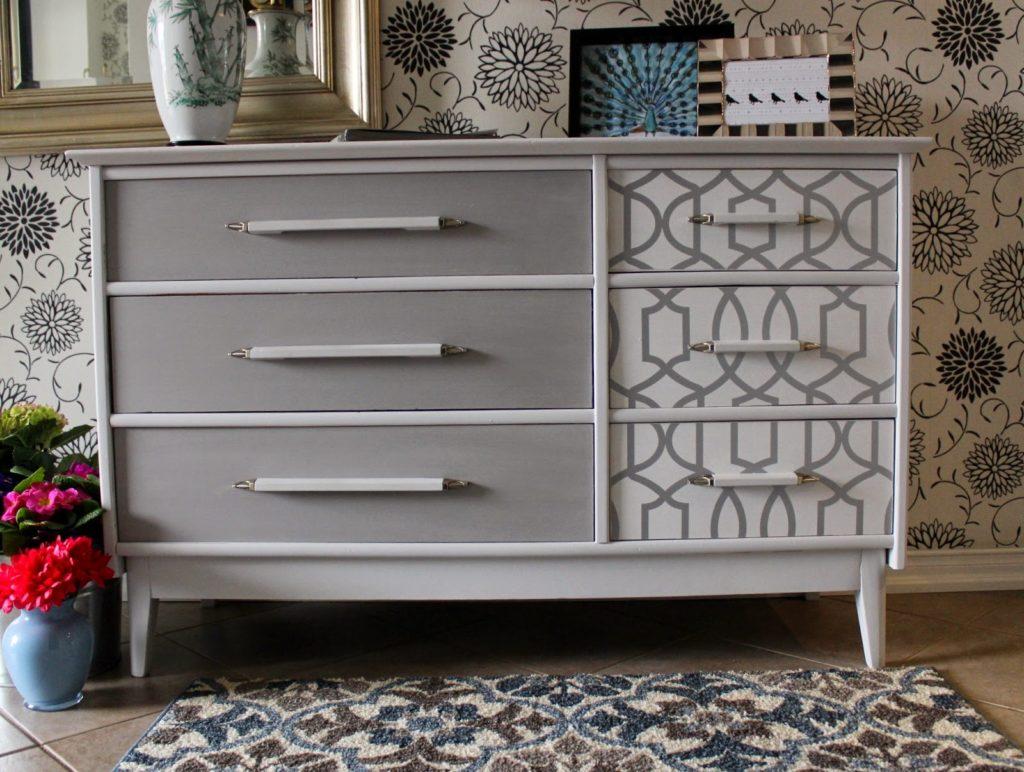 Стильный серый комод в современном стиле