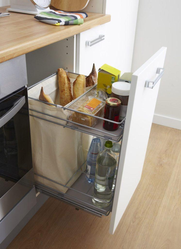 Хранение продуктов и хлеба на кухне