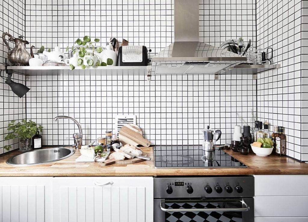 Широкая кухонная полка из металла