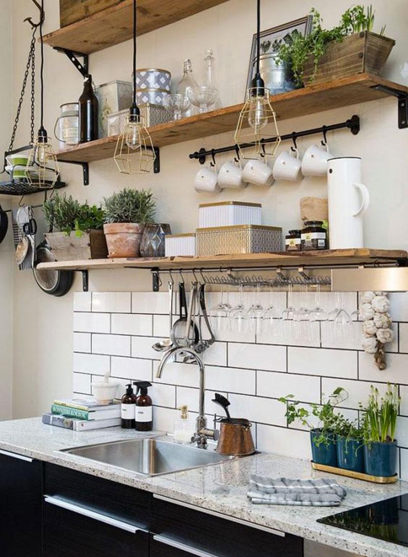 Компактное хранение на кухне в стиле лофт