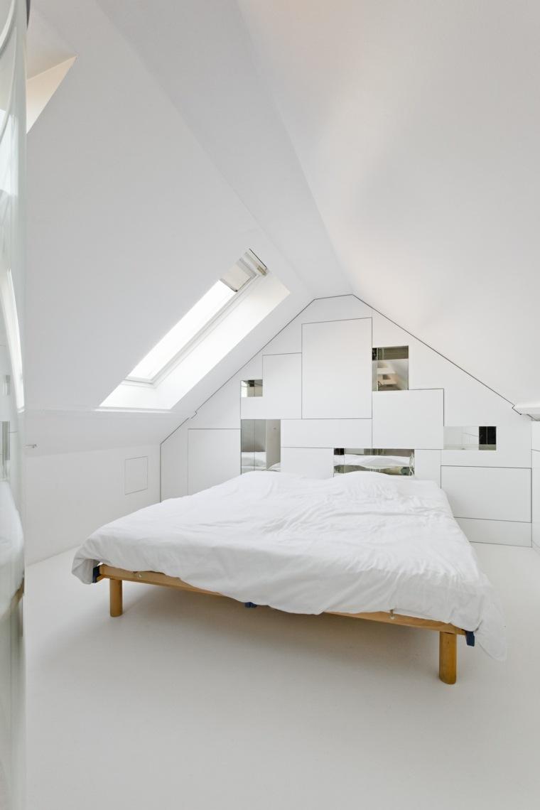 Спальня в мансарде в стиле минимализм
