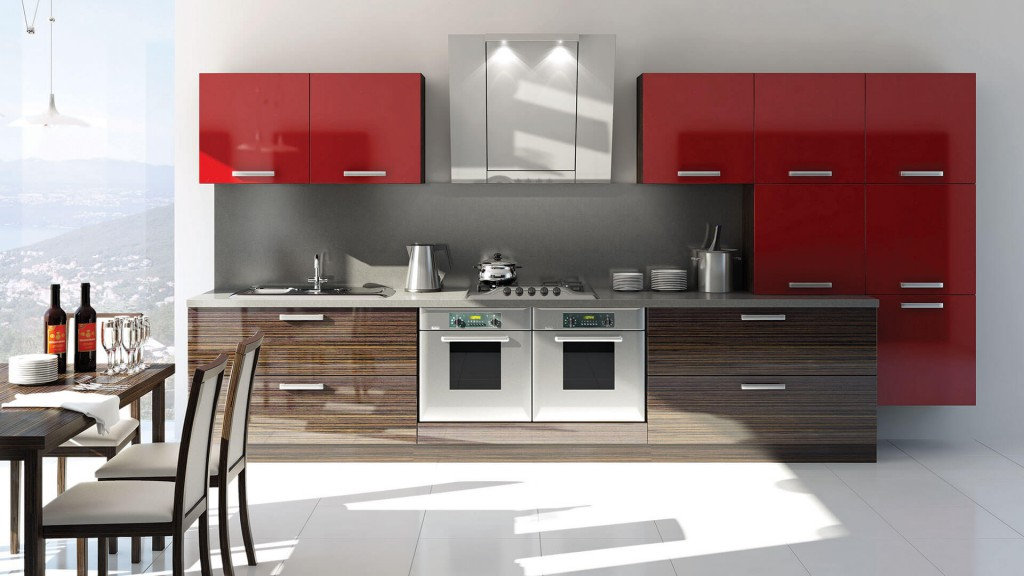 Кухня с яркими красными шкафами и панорамным видом