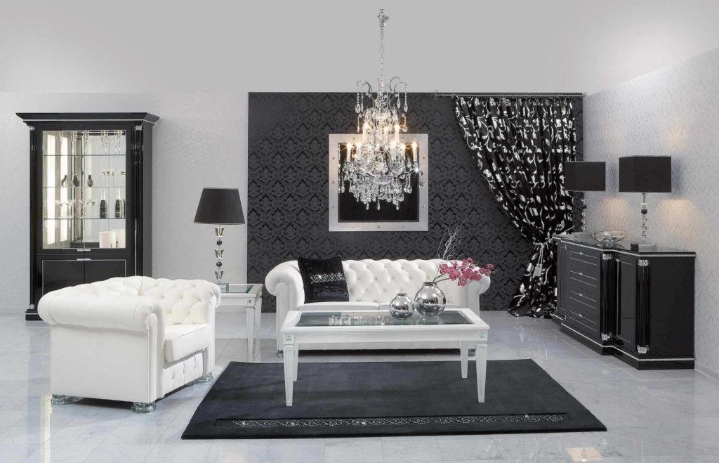 Черные и белые обои с орнаментом в гостиной