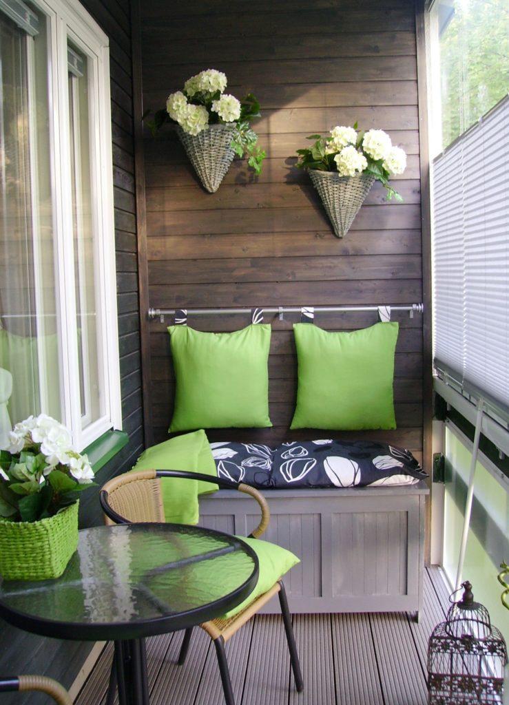 Красивый декор для оформления балкона