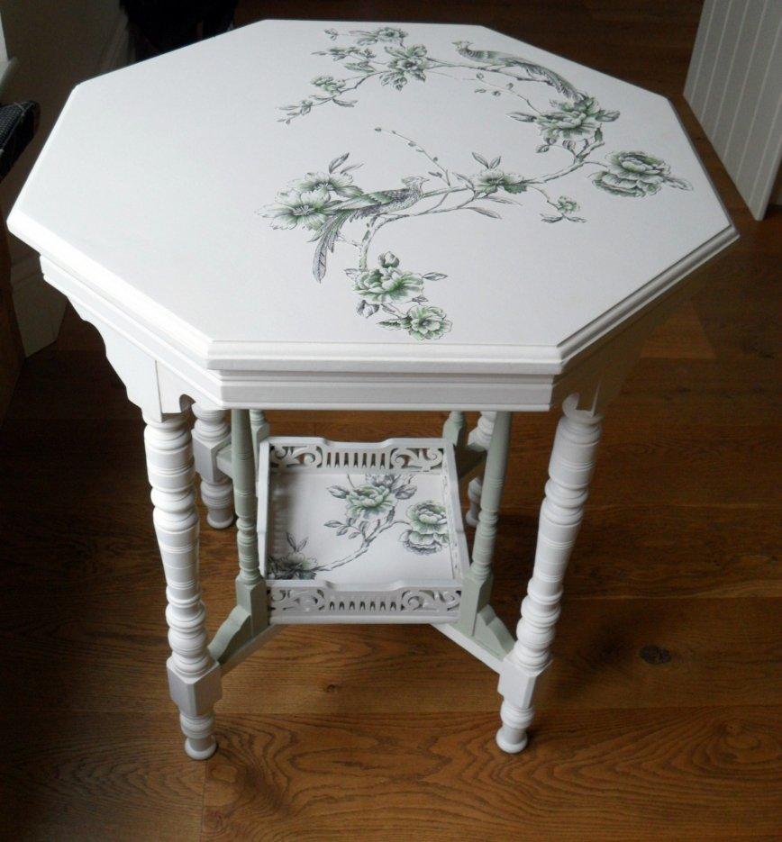 Обновляем маленький столик