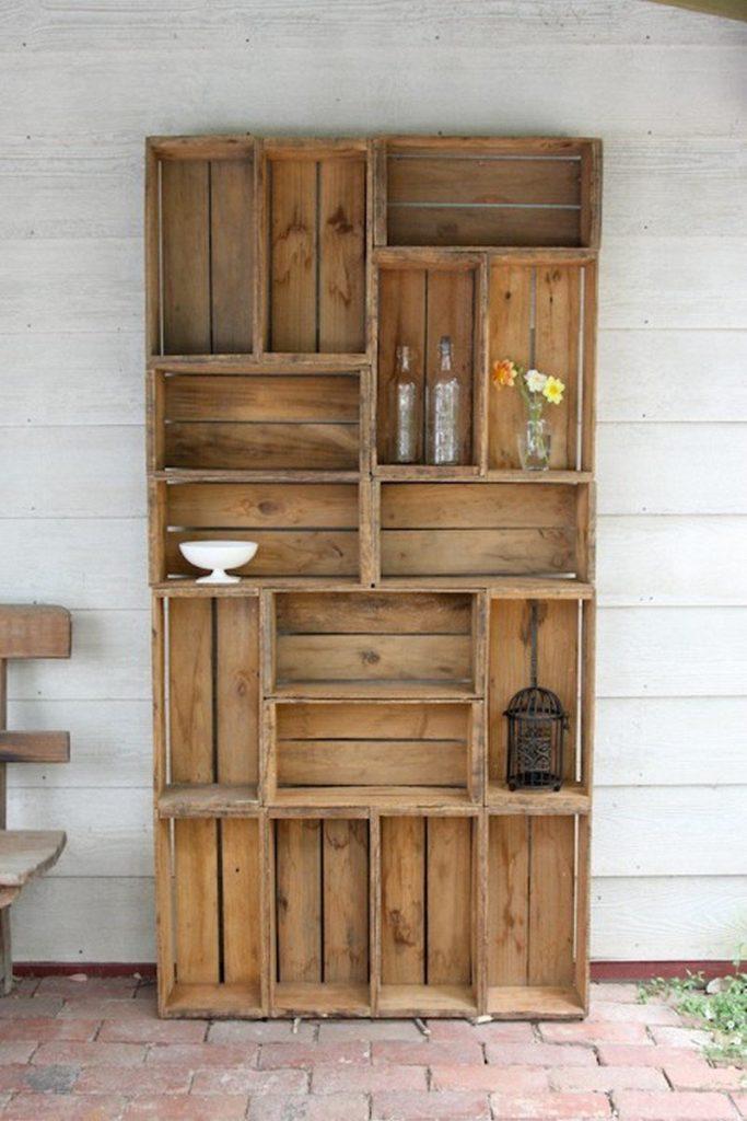 Уличный шкаф на дачу из старых ящиков