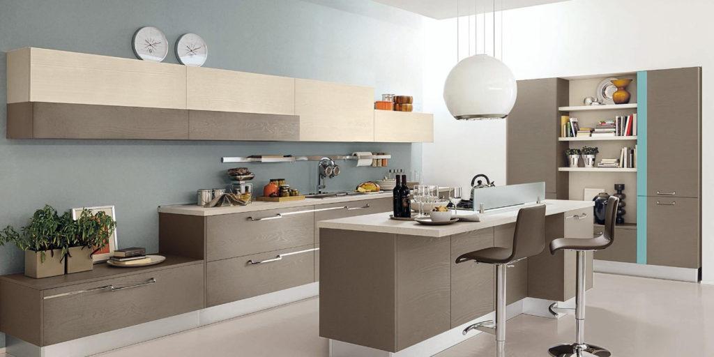 Барная стойка и столешница на серой кухне