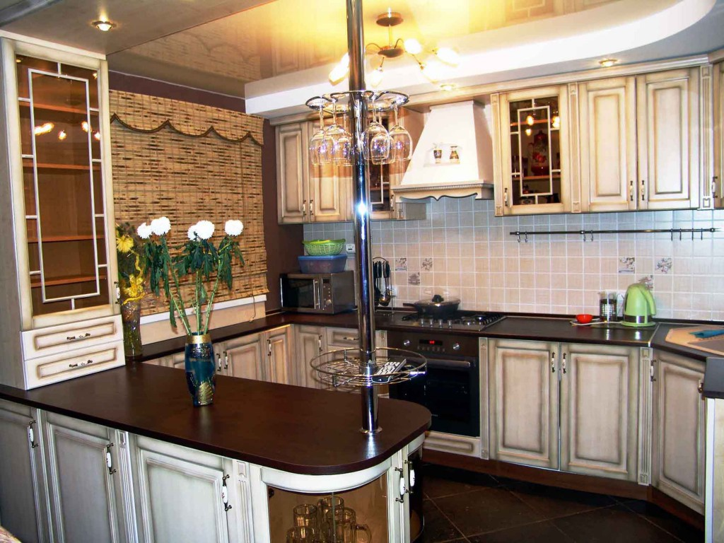 Барная стойка на кухне в стиле прованс