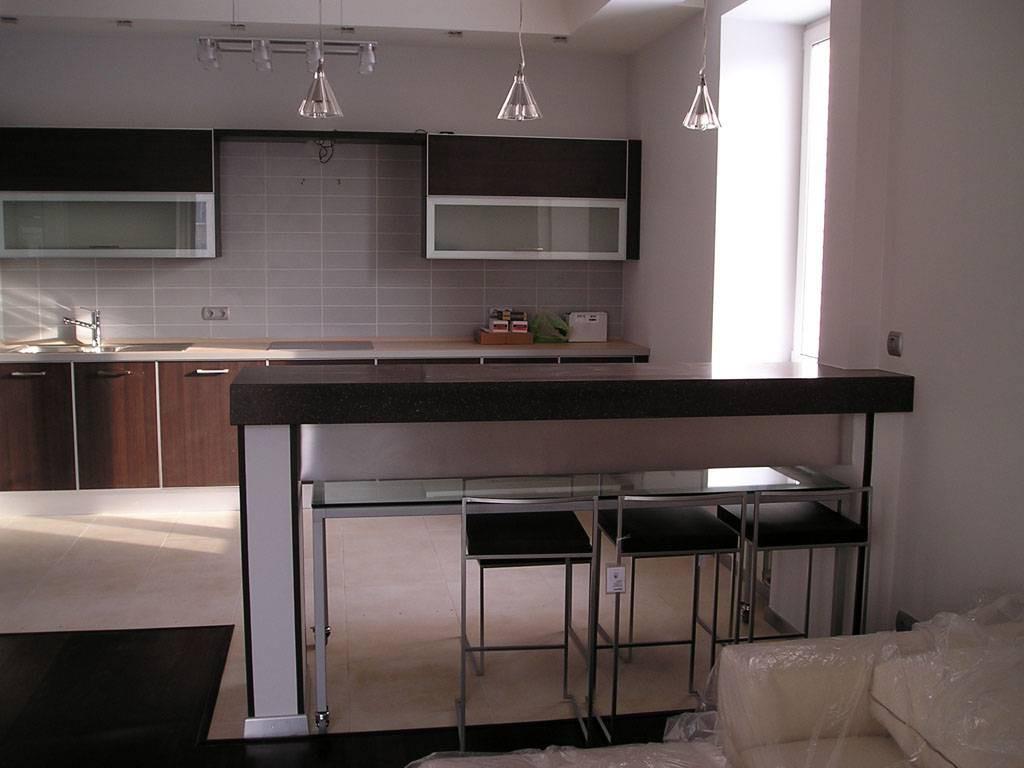 Удобная барная стойка на кухне