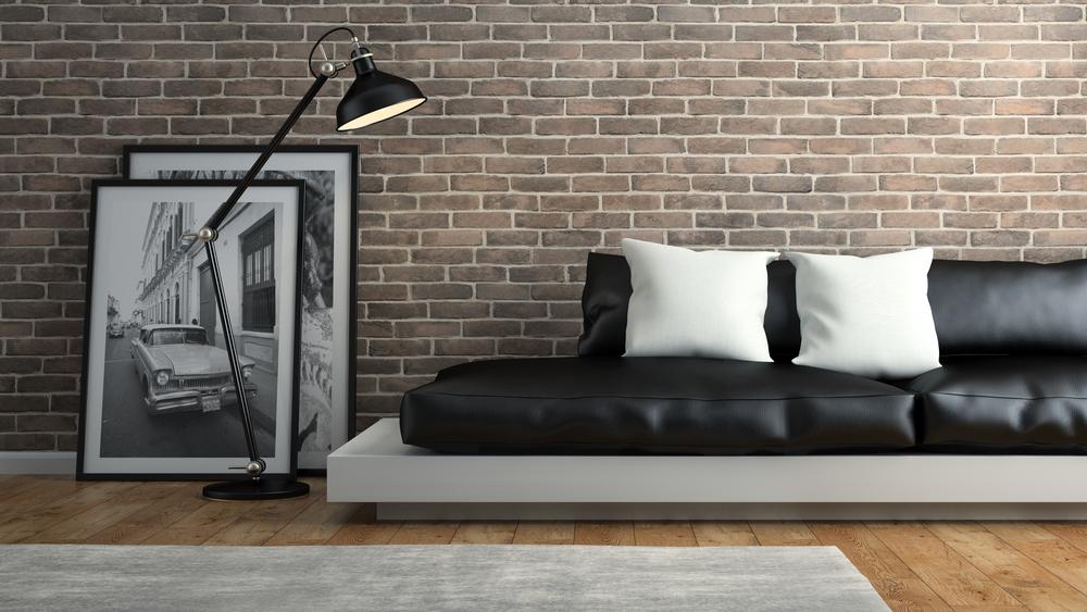 Коричневый пол и кирпичная стена