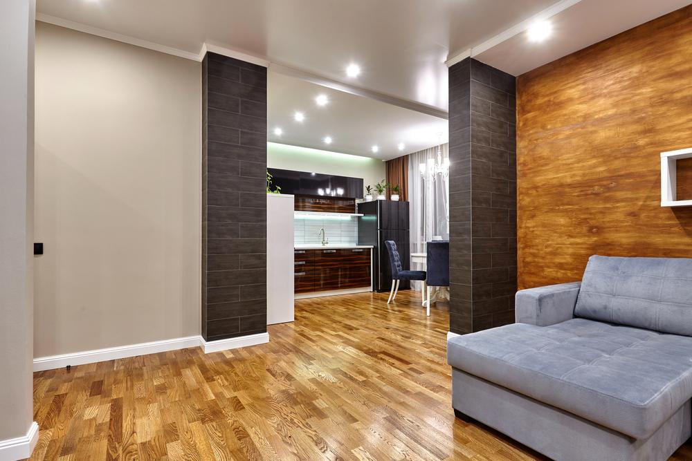 Светло коричневый деревянный пол