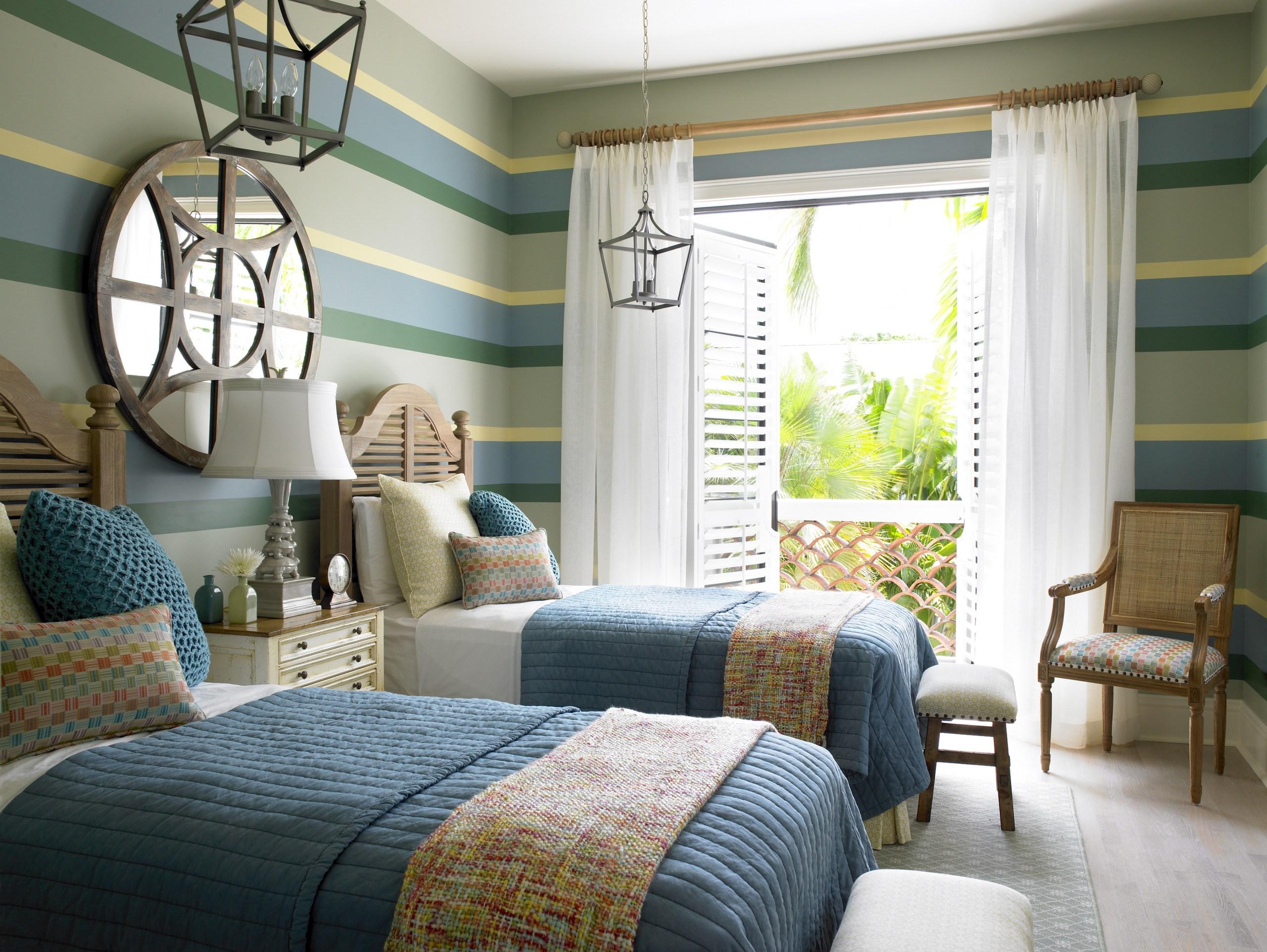 Дизайн комнаты для подростка полосатый