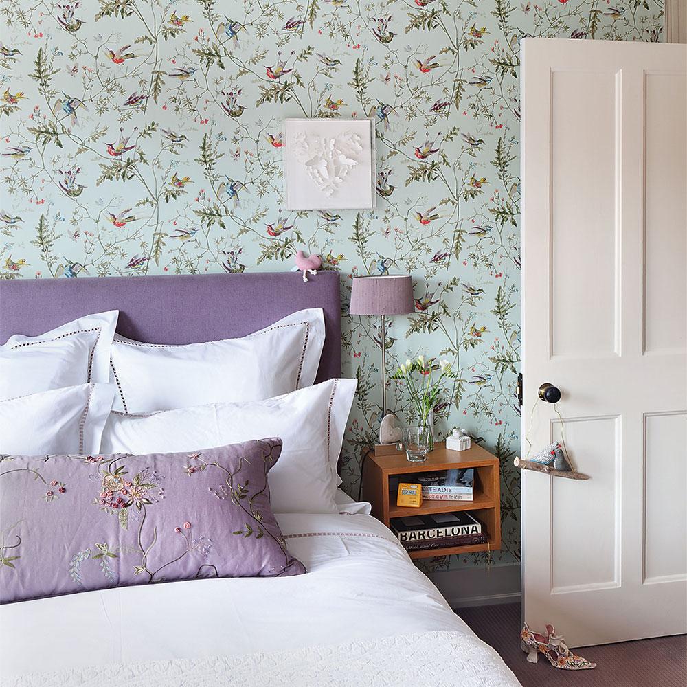 Комбинирование обоев в стиле прованс в спальне