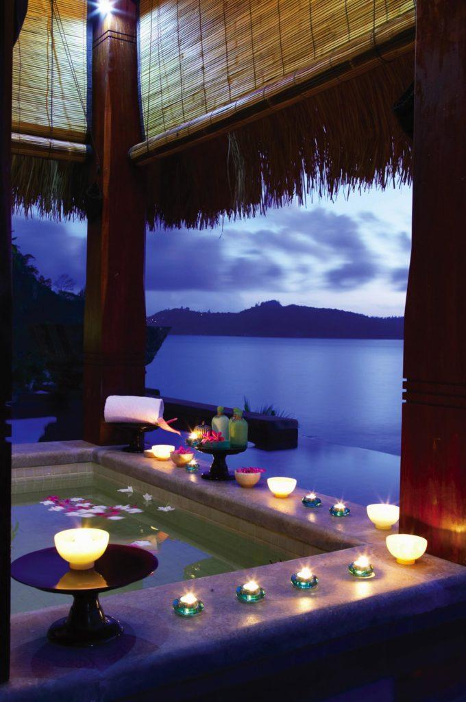 Романтический вечер в тропиках можно осуществить в отпуске