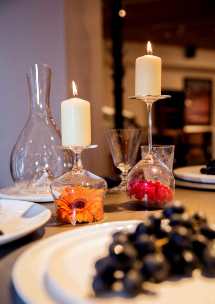 Свечи создадут романтическую атмосферу и расслабят