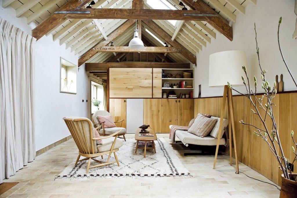 Комната для отдыха в мансарде в скандинавском стиле