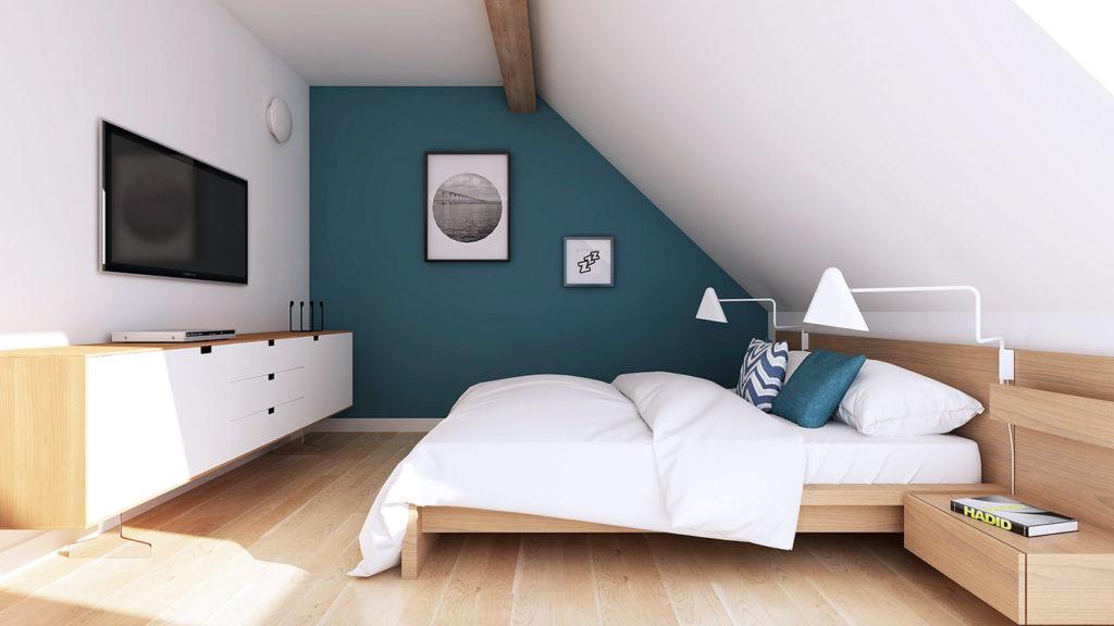 Мансардная спальня в коричневых и белых тонах