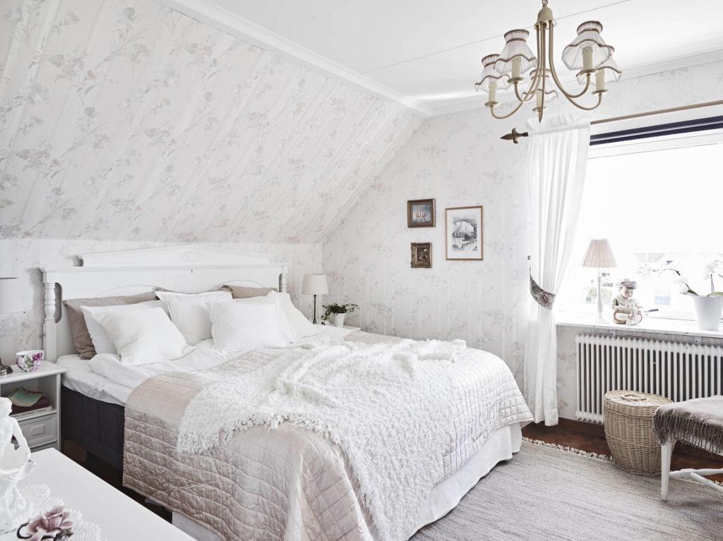 Спальня в мансарде:планировка и идеи дизайна интерьера