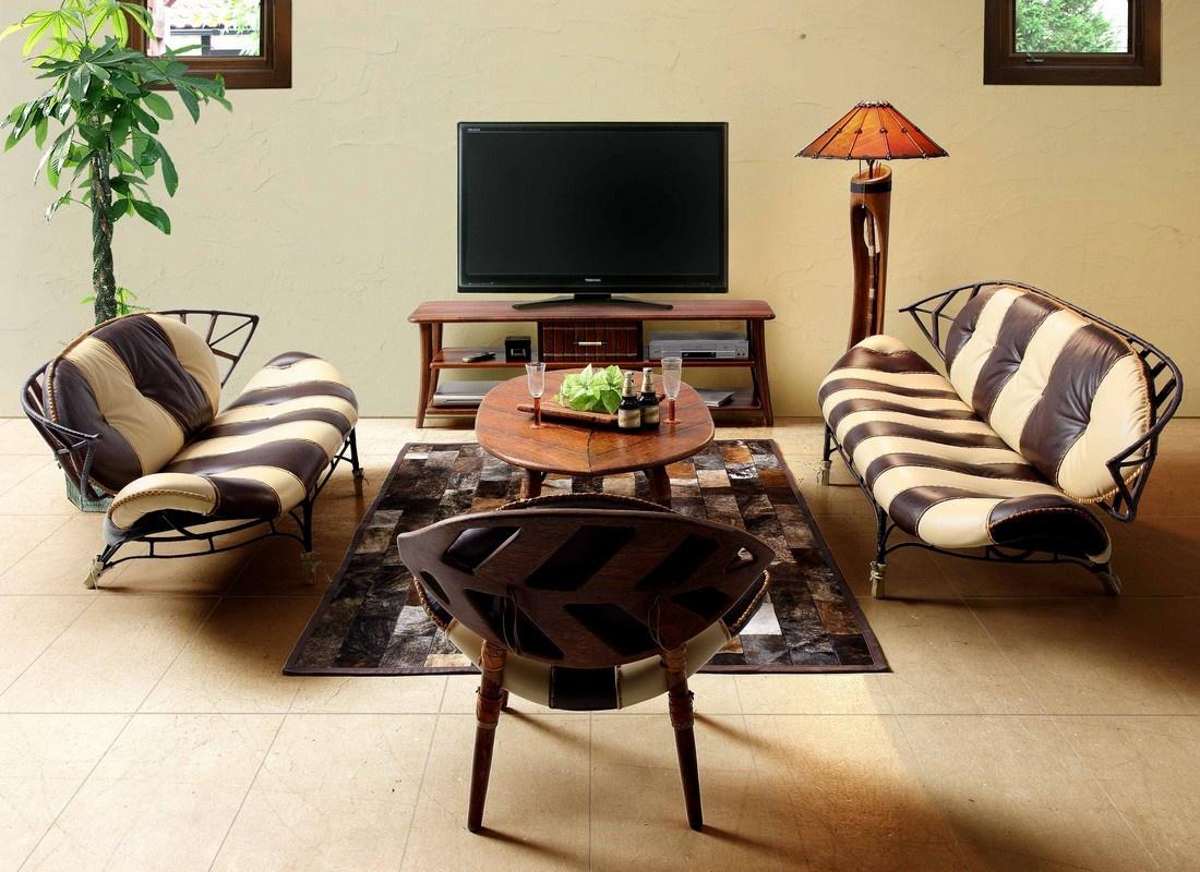 Напольный светильник в гостиной в африканском стиле