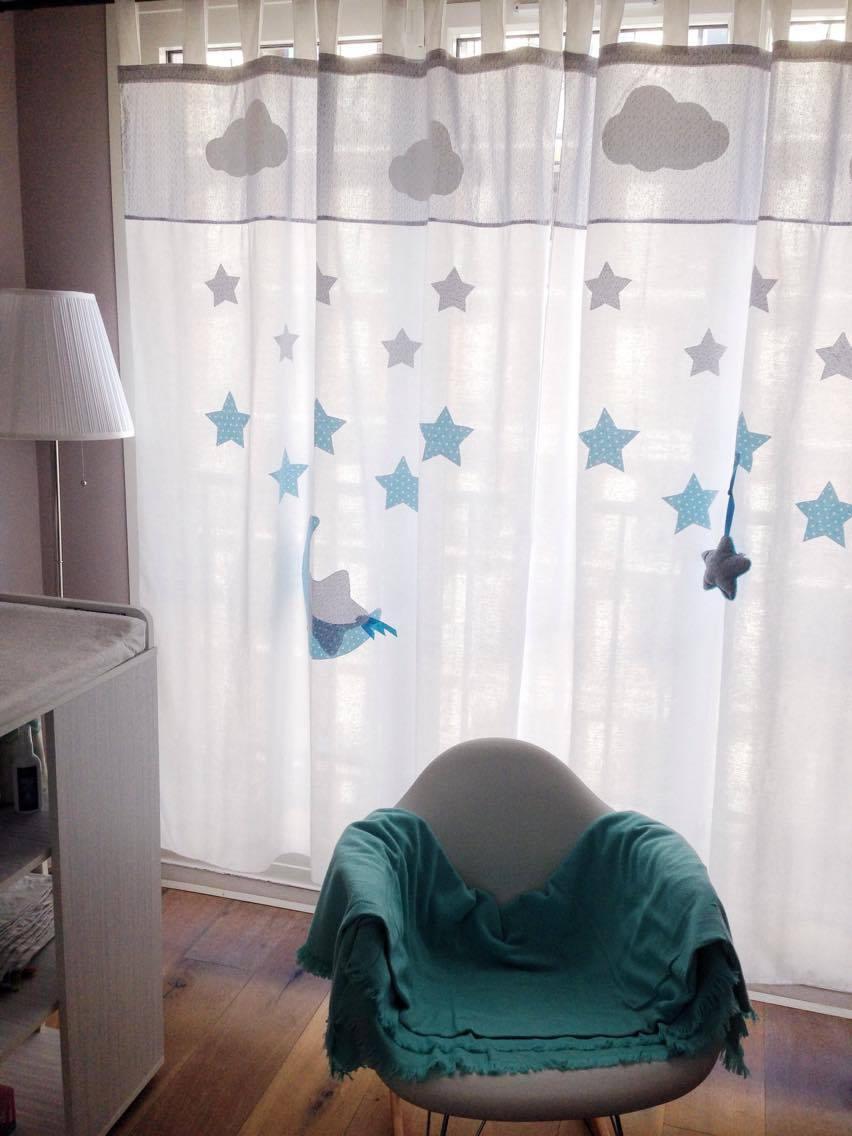 Дизайн штор для детской комнаты с аппликацией