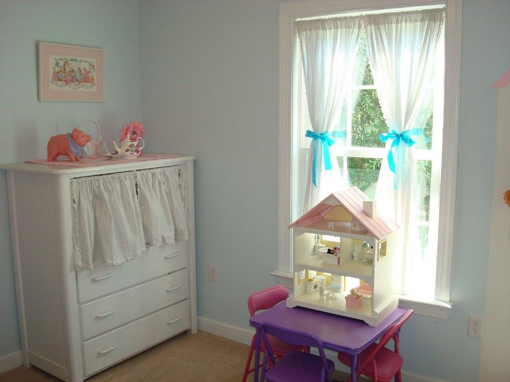Дизайн штор для детской комнаты с бантиками
