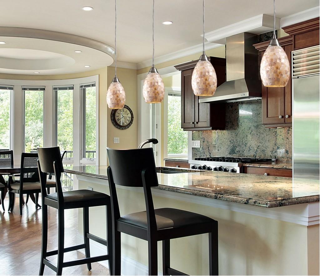 Классические барные стулья на кухне